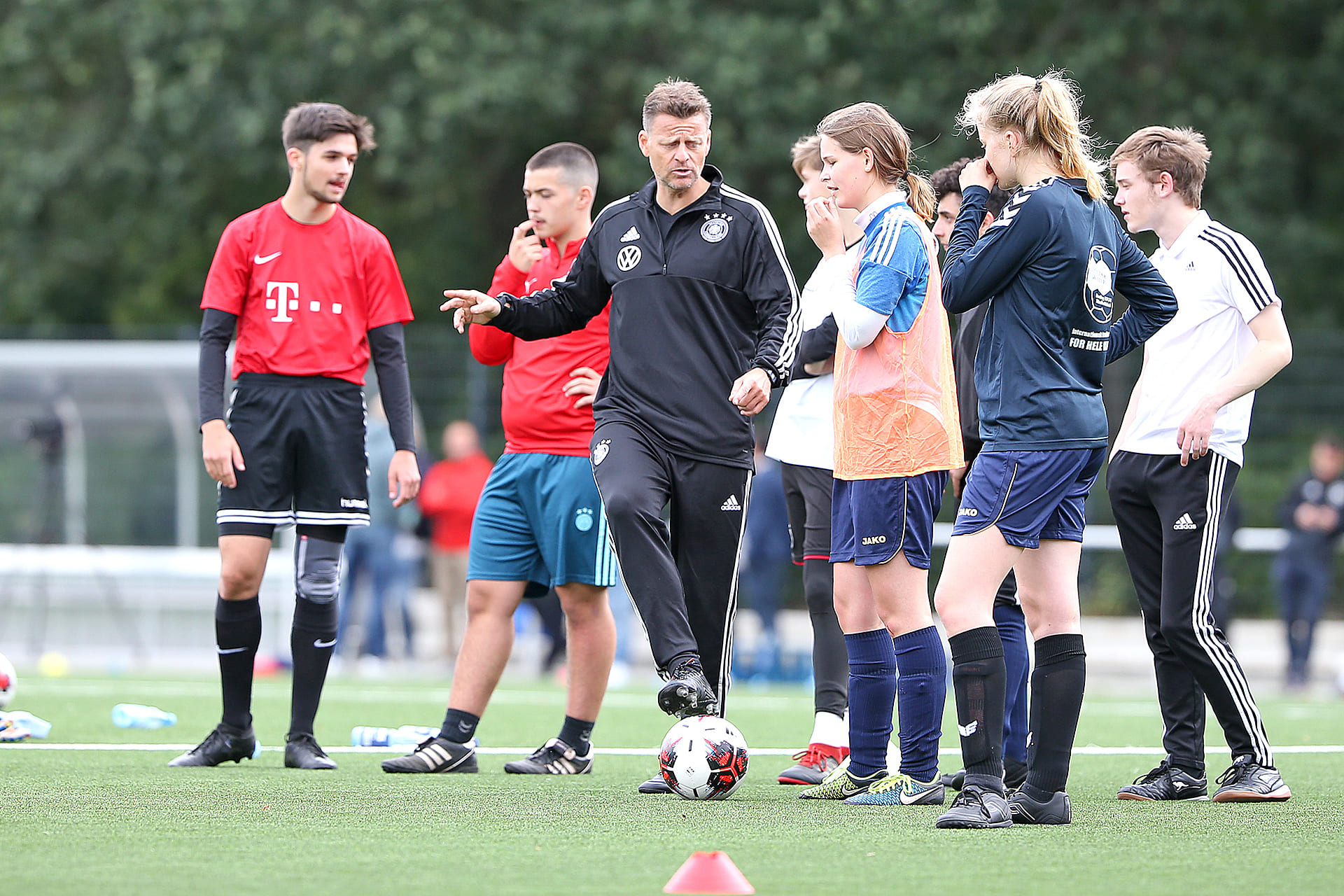ライセンス制度から費用面まで。ドイツサッカー指導者養成の変遷 ...