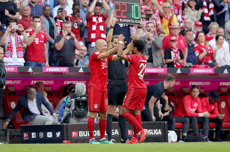 2018-19シーズンをもってバイエルンを退団するアリエン・ロッベンとセルジュ・ニャブリ